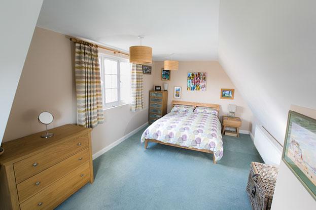 Bedroom and en suite bathroom loft conversion clarendon for En suite bedroom designs